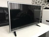 "LG 32"" LED FullHD 1080p UBS Excellent Condition"