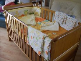 BABIES R US ASPEN COT BED +/-MATTRESS ALSO AVAILABLE NEUTRAL BEDDING SET SEE FULL AD
