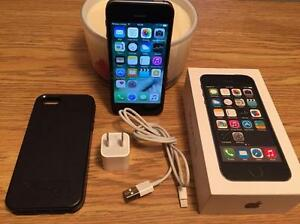 Apple iPhone 5s - 16GB - Noir et Argent - Bell/Virgin