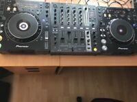 Pioner cdj 1000 mk3 pair and DJM 700 mixer