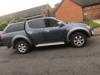 MITSUBUSHI L 200 2.5 DIESEL AUTOMATIC ELEGANCE NEWER SHAPE LOVELY TRUCK BEEN USED AS A CAR