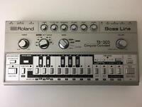 Roland TB303 TB-303 Bassline Synth *SERVICED* w/ Original Manual and Case