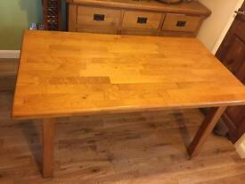 Solid oak dining table with 5 solid oak chairs 150cm x 90cm Can deliver in Northampton