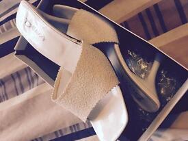 Gorgeous cream/white ladies slip on sandals