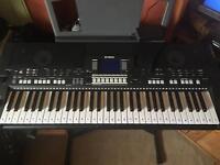 Yamaha keyboard PSR S550