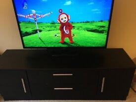 Black tv unit and two black tables ( local pick up required)