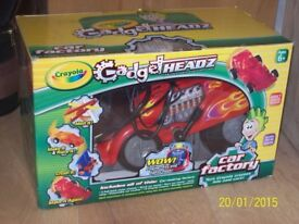 CRAYOLA - CAR MAKING FACTORY (boxed with instructions)