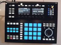 Native Instruments Maschine studio with softwear.