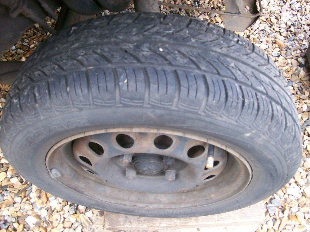 One Ford Ka Car Tyre On Wheel Size