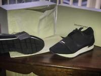 Black balenciaga runners black and white size 8