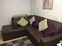 Brown leather sofa in very good condition // free delivery