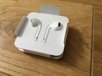 Genuine Apple lightning Wired EarPods Earphones/Headphones For Sale