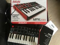 AKAI MPK Mini II 2 MIDI controller / keyboard