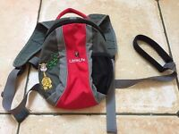 Little lite back pack reins