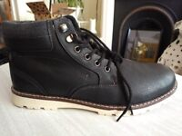 New unworn River Island black leather boots - Men's Size 11 (Eur 45)