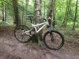 Giant vt2 downhill bike