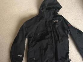 North Face women's black summit series coat Small ski snow outdoors