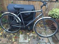 """Men's 22"""" professional hybrid bicycle. Inc new lights & gears. D lock & delivery available"""
