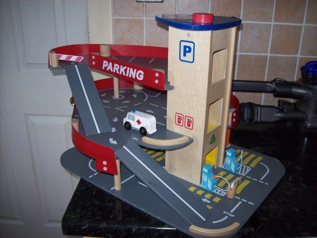 BUNDLE OF ELC WOODEN TOYS INC GARAGE,NOAHS ARK + ELC WHIZZ AROUND GARAGE & EMERGENCY VEHICLE SET