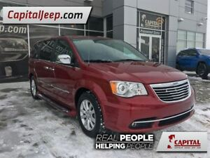 2016 Chrysler Town & Country Limited  Leather  Dual DVD  Sunroof