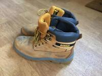 De Walt work boots