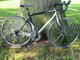 Quaility GIANT Race bike. Excellent condition and Serviced
