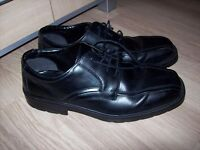 Men's Black Real Leather Shoes size 10 Clarks like New