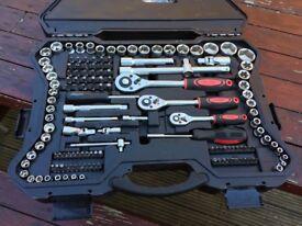 MANNESMANN kraFTwat Socket Wrench Hand Set 215-Pieces