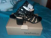 black bohoo heeled sandles