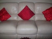 cream leather suite electric reclining remote control all working collect from bedwas caerphilly