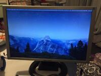 "19"" Widescreen LCD Monitor (VGA & DVI)"