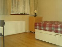 A Double room In A Family Environment near GSK !!!