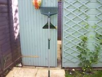 Garden rake/leaf collector