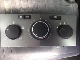 Vauxhall Astra H heater controls
