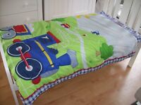 Choo Choo train patterned Toddler bed duvet and pillowcase