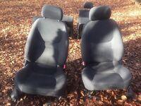 Land Rover Freelander 1 Cloth seats - black