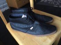 penguin size 12 excellent condition shoes