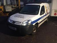 Peugeot partner 1.9 diesel 2003 breaking for spares
