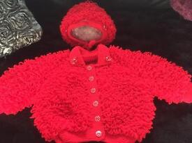 Red loopy knitted set