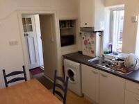 2 SINGLE ROOMS IN TOLWORTH