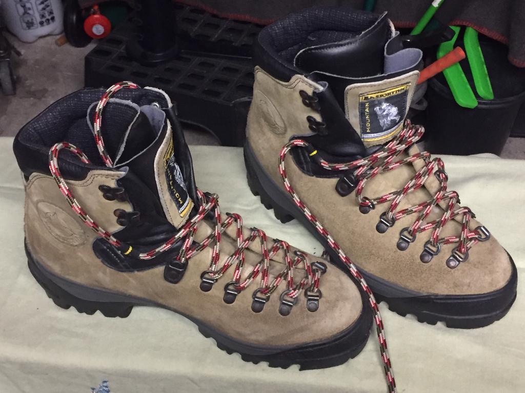 La Sportiva 3/4 season mountaineering boots (Size 9)