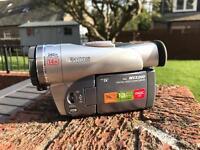 Mini DV Video Camera - Canon MVX 200