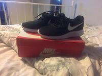 Nike trainers 7