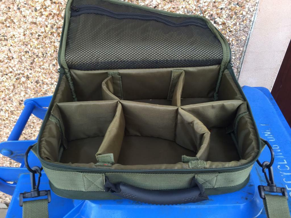 Padded fly reel case