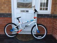 GT FLY EDITION. TOP BRAND BMX BIKE