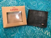 *** BNIB Men's Levi's Wallet ***