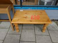 pine coffee table free delivery in leicester