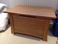 SOLID OAK STORAGE CHEST - MAMAS AND PAPAS (OCEAN)
