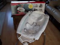 BOXED FISHERPRICE ROCK AND PLAY SLEEPER BEDSIDE BASSINET CRIB ROCKER IN GREAT CONDITION
