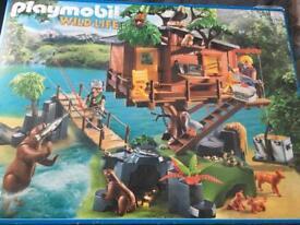 Playmobil wildlife adventure treehouse (5557) with wildlife firefighting seaplane (5560)